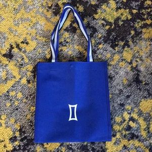 NEW Kit and Ace small blue reusable tote bag snap